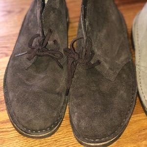 Clark's men's boot dark brown suede
